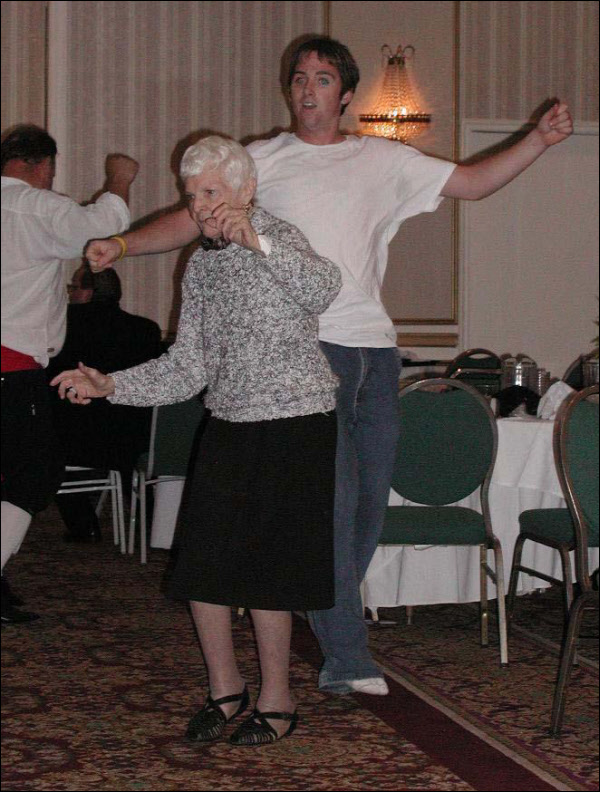 All ages love to dance (2004)